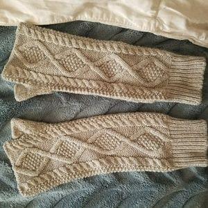 Grey arm warmers